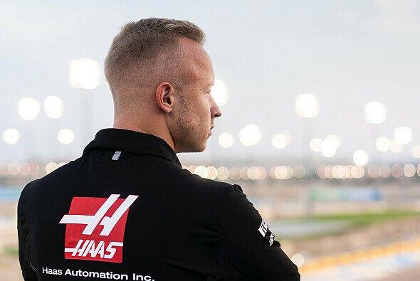 Nikita Mazepin darf sein Formel-1-Cockpit 2021 behalten - Foto: LAT Images