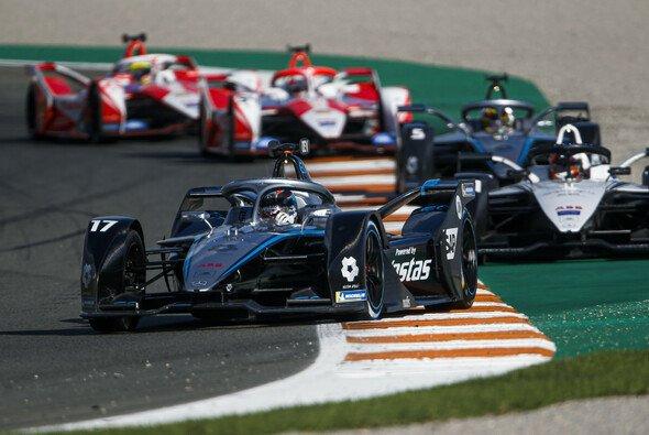 Die Formel-E-Teilnehmer testeten vor der Saison in Valencia - Foto: LAT Images