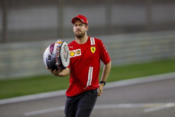 Sebastian Vettels Tage in Rot sind gezählt - Foto: LAT Images
