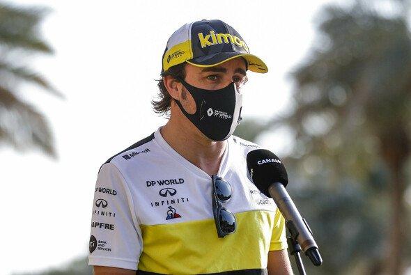 Fernando Alonso erholt sich nach seinem Fahrradunfall nun zuhause - Foto: LAT Images