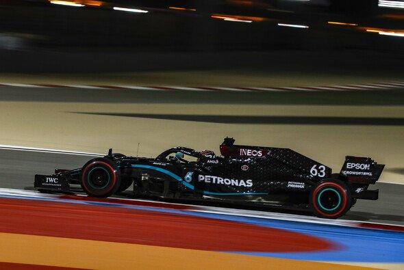 George Russell vertrat Formel-1-Weltmeister Lewis Hamilton am Freitag in Bahrain mit zwei Bestzeiten - Foto: LAT Images