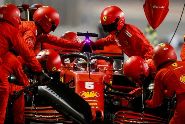 Ein langsamer Boxenstopp: Leider keine Seltenheit in diesem Jahr bei Ferrari - Foto: LAT Images
