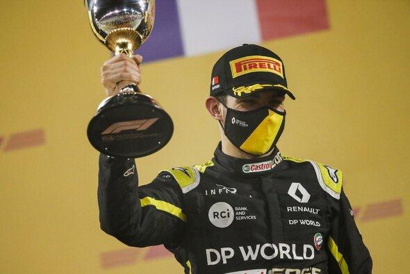 Platz 2 in Sakhir: Esteban Ocon erstmals auf einem Formel-1-Podium - Foto: LAT Images