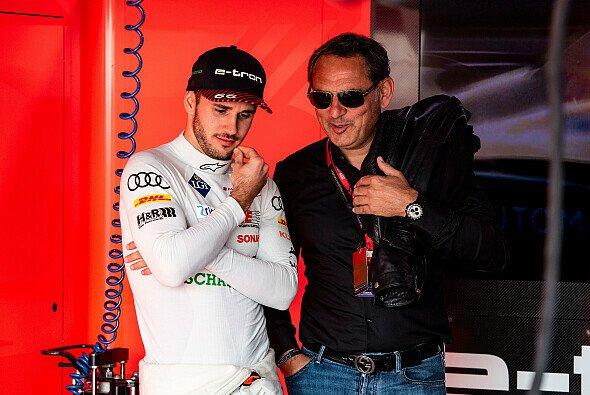 ABT-Boss Hans-Jürgen Abt mit Sohn Daniel bei der Formel E - Foto: Audi Communications Motorsport