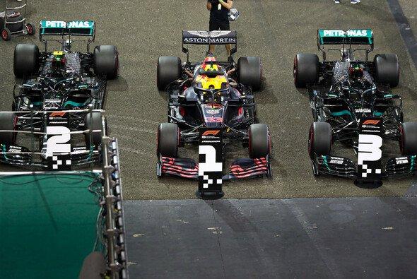 Schiebt sich Red Bull 2021 häufiger vor Mercedes? - Foto: LAT Images