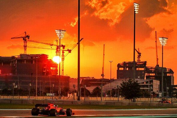 Einmal mehr geht die Sonne nicht nur in Abu Dhabi, sondern auch für die Formel-1-Saison 2020 unter - Foto: LAT Images