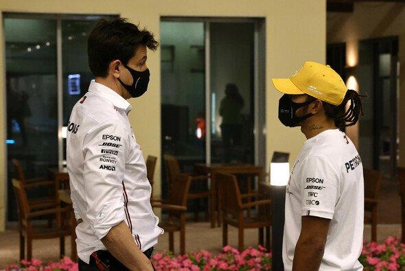 Lewis Hamilton gesteht: Bin auch verantwortlich für die Mercedes-Strategie in Monaco. - Foto: LAT Images
