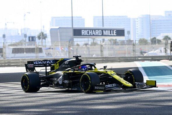 Fernando Alonso durfte beim Abschluss-Test der Formel 1 in Abu Dhabi ran - Foto: LAT Images