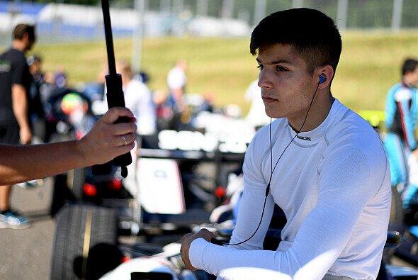 Lirim Zendeli tritt 2021 für MP Motorsport in der Formel 2 an - Foto: LAT Images
