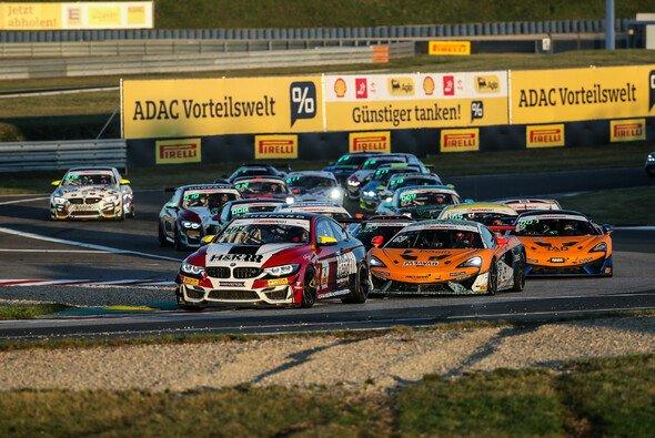 Saisonstart der ADAC GT4 Germany ist 2021 in der Motorsport Arena Oschersleben - Foto: ADAC Motorsport