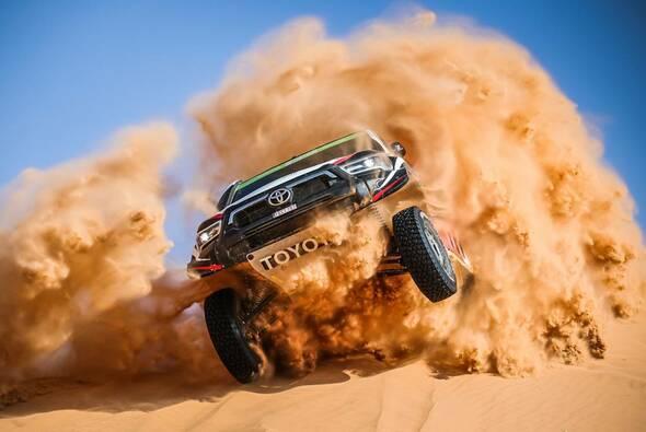 Yazeed Al Rajhi und Dirk von Zitzewitz gewinnen die 7. Etappen - Foto: ASO/Dakar