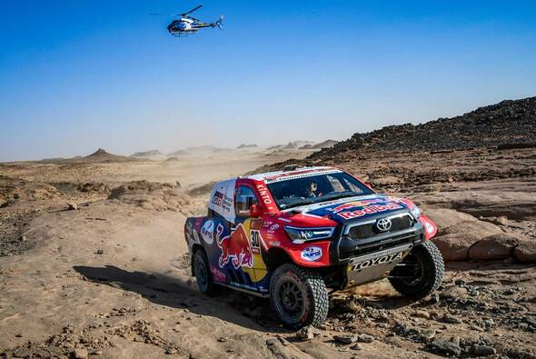 Nasser Al-Attiyah gewann die 4. Etappe im Toyota - Foto: ASO/Dakar