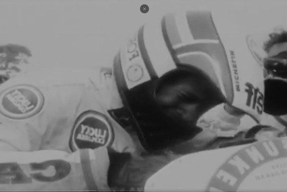 Hubert Auriol gewann als erster Fahrer auf zwei und vier Rädern die Dakar - Foto: Dakar/Screenshot