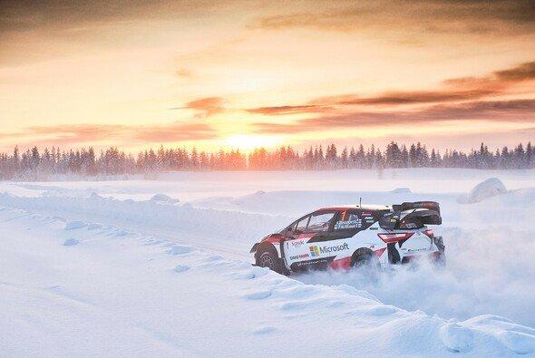Kalle Rovanperä hat bereits Erfahrung auf Eis und Schnee - Foto: Hannu Rainamo