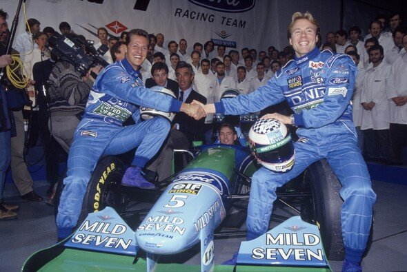 Michael Schumacher und JJ Lehto waren 1994 Teamkollegen bei Benetton - Foto: LAT Images