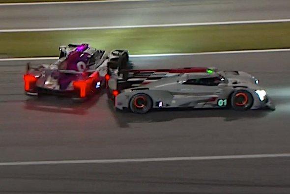 Kollision der beiden DPi-Cadillacs von Renger van der Zande und Kamui Kobayashi - Foto: IMSA/Screenshot