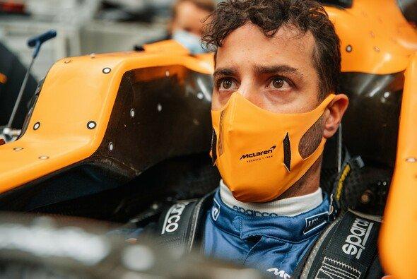 Daniel Ricciardo ließ sich von McLaren im zweiten Anlauf überzeugen und unterschrieb für drei Jahre - Foto: McLaren