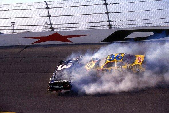 NASCAR-Legende Dale Earnhardt verstarb am 18. Februar 2001 in Folge eines Unfalls im Daytona 500 - Foto: LAT Images