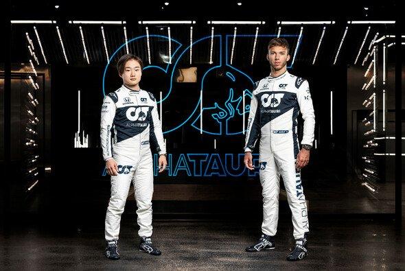 Yuki Tsunoda und Pierre Gasly gehen auch 2022 für AlphaTauri an den Start - Foto: AlphaTauri