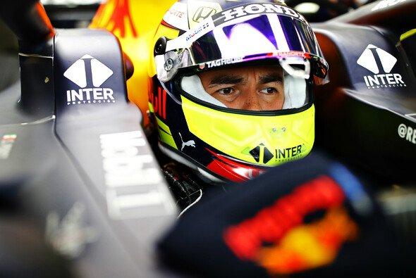 Pink ist Geschichte: Sergio Perez ist bei Red Bull angekommen - Foto: Red Bull