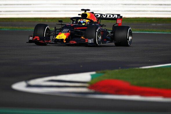 In Silverstone bewegte Sergio Perez erstmals einen Formel-1-Boliden von Red Bull - Foto: Red Bull