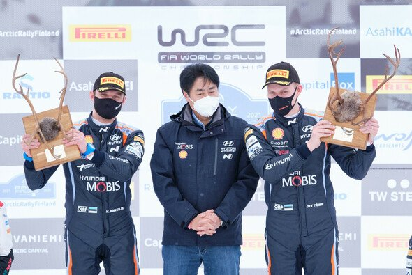 Ott Tänak und Beifahrer Martin Järveoja gewannen die Arctic-Rallye Finnland 2021 - Foto: Hyundai