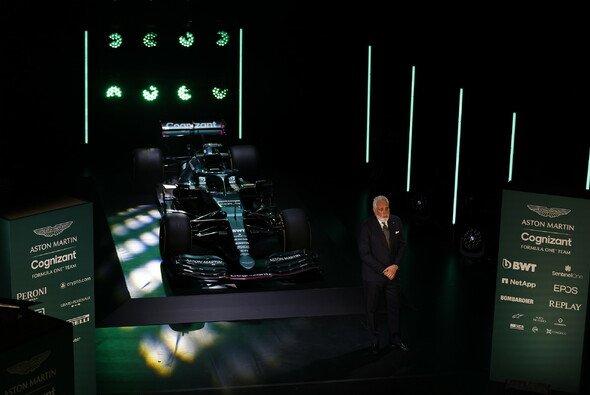 Lawrence Stroll präsentierte persönlich den Aston Martin AMR21 - Foto: LAT Images