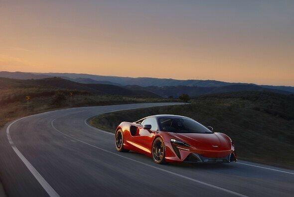 Der McLaren Artura ist einer der wenigen Plug-in-Hybride in der High-Performance-Klasse - Foto: McLaren