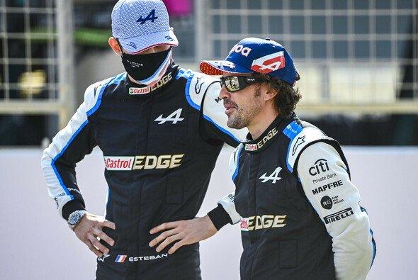 Fernando Alonso sieht sich bei Alpine einzig in der Rolle des Fahrers - Foto: LAT Images