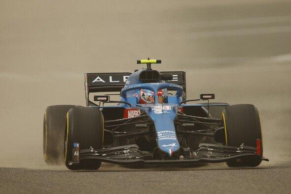 Sandiges Bahrain: Werden wir beim ersten Wochenende der Formel-1-Saison wieder solche Bilder sehen? - Foto: LAT Images