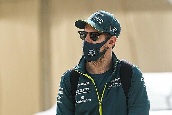 Sebastian Vettel präsentiert sich auch abseits der Formel 1 grün - Foto: LAT Images
