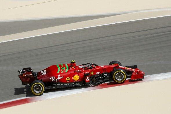 Carlos Sainz ist bei Ferrari mit seinem neuen Formel-1-Auto für 2021 noch nicht warm geworden - Foto: LAT Images