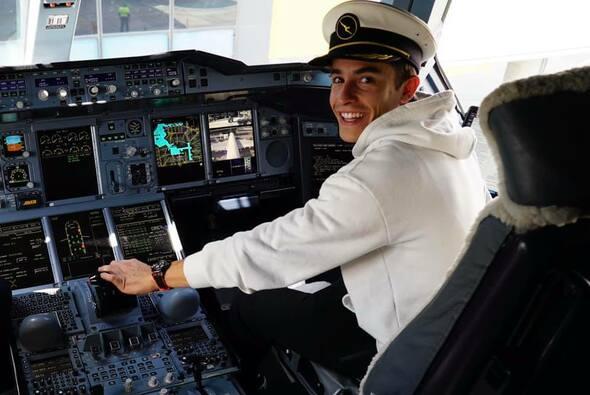 Marc Marquez entschied sich spontan für eine Reise nach Katar - Foto: Facebook/Marc Marquez