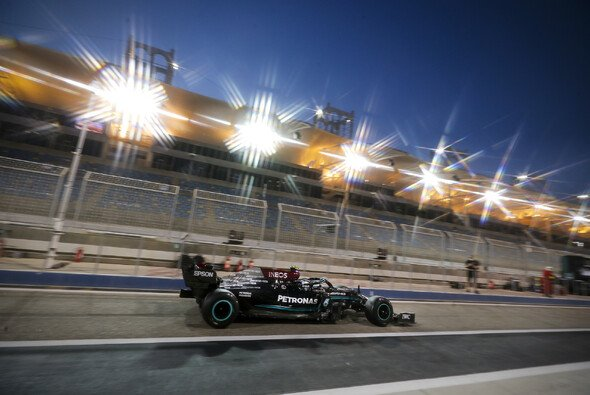 Mercedes meldete sich bei den F1-Testfahrten in Bahrain mit der Bestzeit von Valtteri Bottas an der Spitze zurück - Foto: LAT Images