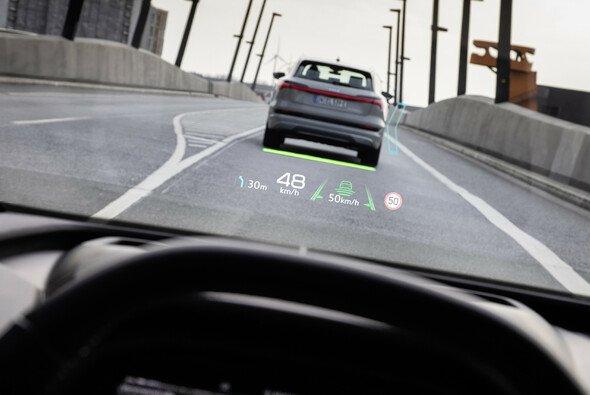 Assistenzsysteme erleichtern dem Fahrer das Einschätzen von Alltagssituationen - Foto: Audi