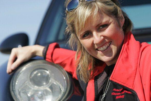 Sabine Schmitz gehört zu den absoluten Ikonen der Nürburgring-Nordschleife - Foto: Frikadelli