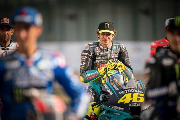 Valentino Rossi muss in den kommenden Wochen wichtige Entscheidungen treffen - Foto: gp-photo.de/Ronny Lekl