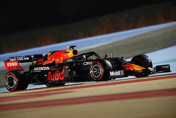 Red Bull muss sich in Bahrain von der Formel 1 Favorit nennen lassen - Foto: LAT Images