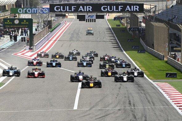 Start in eines der drei Formel-2-Rennen, die 2021 in Bahrain stattfanden. - Foto: LAT Images