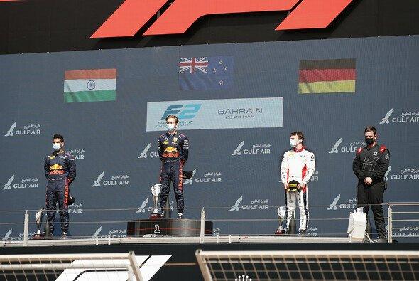 Lawson siegt in Bahrain, Beckmann fährt als Dritter aufs Podium - Foto: LAT Images