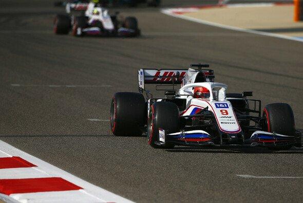 Die Haas-Teamkollegen Mick Schumacher und Nikita Mazepin sind das größte Entwicklungspotential des Teams - Foto: LAT Images