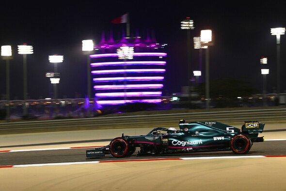 Sebastian Vettels Albtraum-Qualifying geht bei den Stewards weiter - Foto: LAT Images