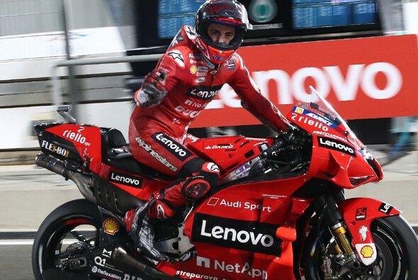 Francesco Bagnaia sicherte sich die beste Ausgangsposition für den Katar-GP - Foto: LAT Images