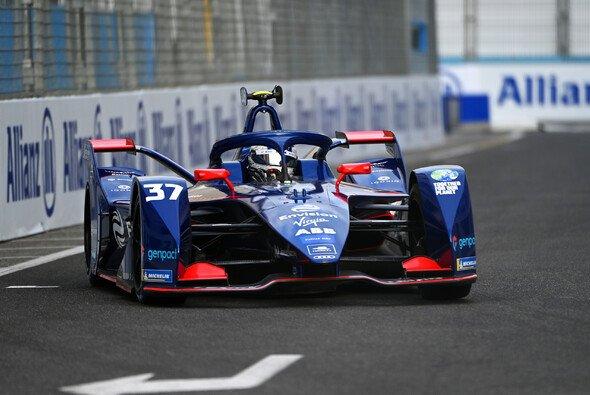 Nick Cassidy erzielt für Virgin seine erste Pole in der Formel E - Foto: LAT Images