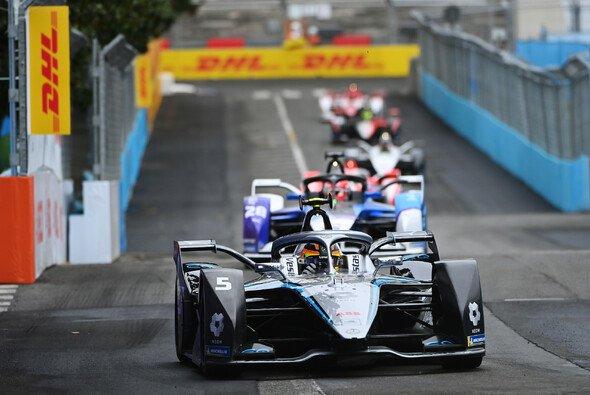 Stoffel Vandoorne hat das Sonntags-Rennen der Formel E in Rom gewonnen - Foto: LAT Images