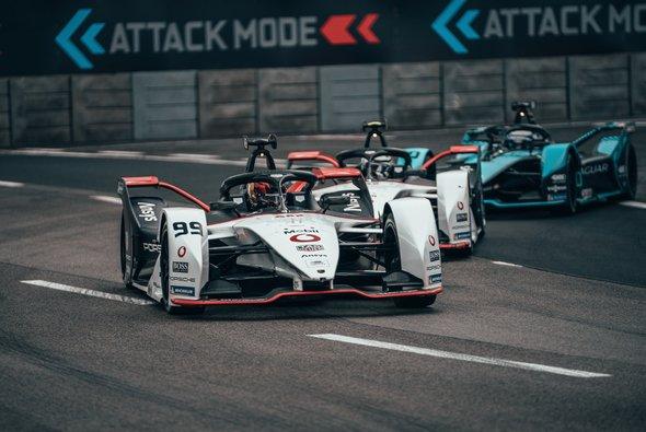 Pascal Wehrlein beschert Porsche erstes Podest in der Formel E 2021 - Foto: Porsche AG