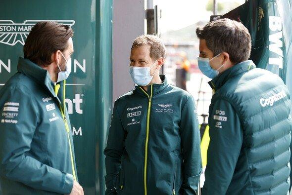 Sebastian Vettel musste vor Imola viel Kritik einstecken - Foto: LAT Images