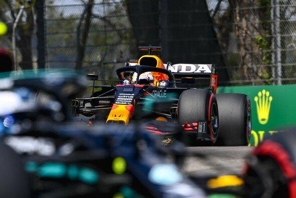 Max Verstappen und Red Bull schlagen im 3. Freien Training in Imola zurück - Foto: LAT Images