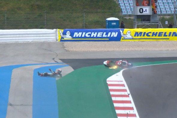 Nakagami flog in Portimao bei hohem Tempo ab - Foto: MotoGP.com/Screenshot