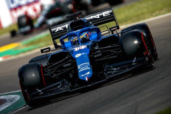 Fernando Alonso verlor in Imola erstmals seit 27 Qualifyings wieder ein Teamduell - Foto: LAT Images